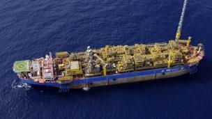 Petrobras signs finance deal to fund building of 12 FPSOs for Santos Basin